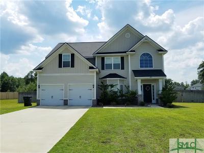 Single Family Home For Sale: 845 NE Mustang Lane