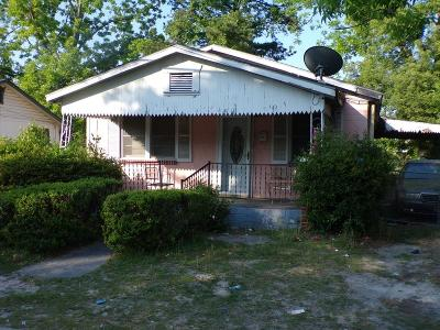 Single Family Home For Sale: 1233 Pittman