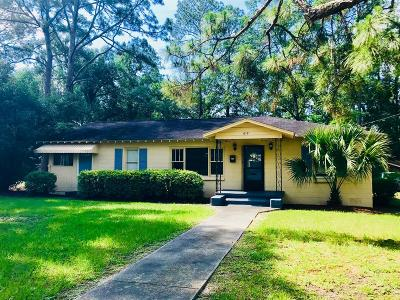 Waycross GA Single Family Home For Sale: $69,000