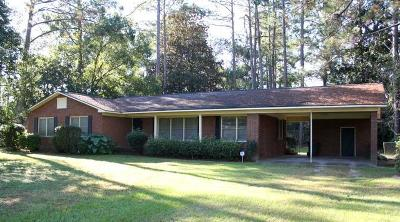 Waycross Single Family Home For Sale: 902 Golfview Dr.