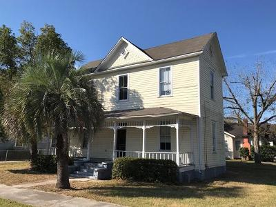 Single Family Home Sold: 802 Eads Street