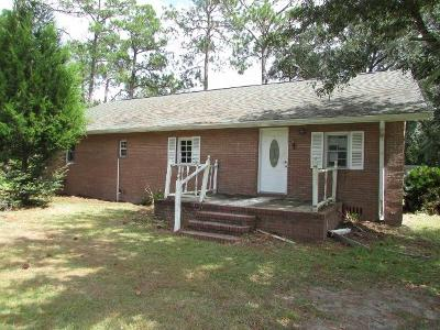 Waycross Single Family Home For Sale: 58 Pine Dr