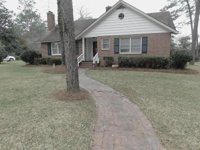 Waycross Single Family Home For Sale: 1613 Camellia Drive