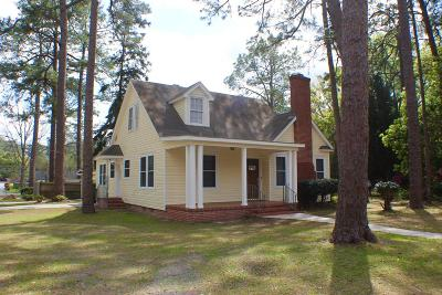 Waycross Single Family Home For Sale: 810 College Street