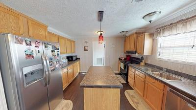 Pelham Single Family Home For Sale: 886 Old Newton Road