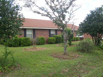 Brookfield, Chula, Tifton, Irwinville, Omega, Poulan, Sycamore, Sumner, Ty Ty, Ashburn, Rebecca Single Family Home For Sale: 709 Whatley Drive