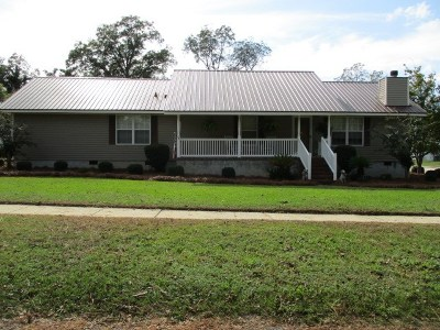 Brookfield, Chula, Tifton, Irwinville, Omega, Poulan, Sycamore, Sumner, Ty Ty, Ashburn, Rebecca Single Family Home For Sale: 537 Monnie St.