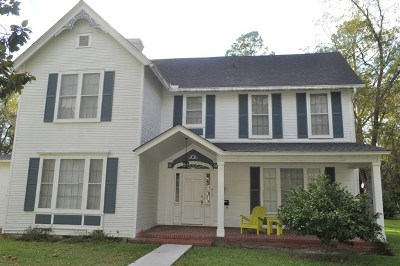 Ocilla, Irwinville, Chula, Wray , Abbeville, Fitzgerald, Mystic, Ashburn, Sycamore, Rebecca Single Family Home For Sale: 615 S Lee Street