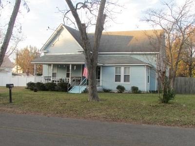 Ocilla, Irwinville, Chula, Wray , Abbeville, Fitzgerald, Mystic, Ashburn, Sycamore, Rebecca Single Family Home For Sale: 305 W. 2nd St.