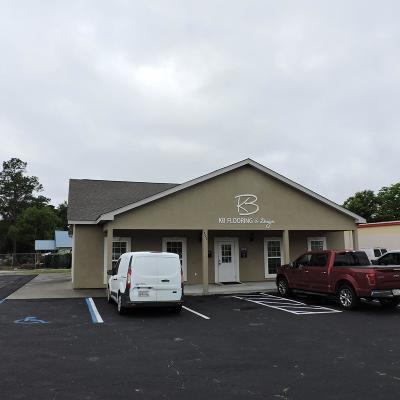 Commercial For Sale: 402 W 7th