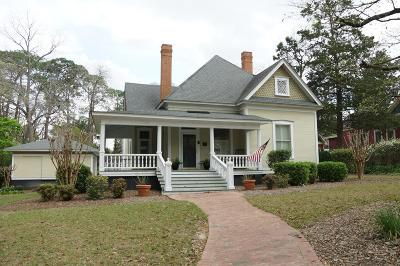 Brookfield, Chula, Tifton, Irwinville, Omega, Poulan, Sycamore, Sumner, Ty Ty, Ashburn, Rebecca Single Family Home For Sale: 807 N Ridge Ave