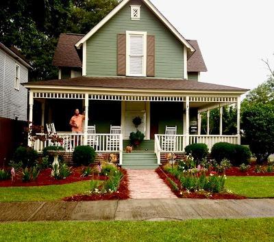 Ocilla, Irwinville, Chula, Wray , Abbeville, Fitzgerald, Mystic, Ashburn, Sycamore, Rebecca Single Family Home For Sale: 401 S Main Street