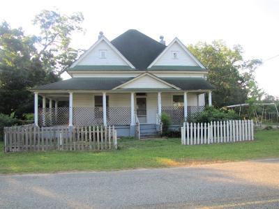 Ocilla, Irwinville, Chula, Wray , Abbeville, Fitzgerald, Mystic, Ashburn, Sycamore, Rebecca Single Family Home For Sale: 111 Laurel St