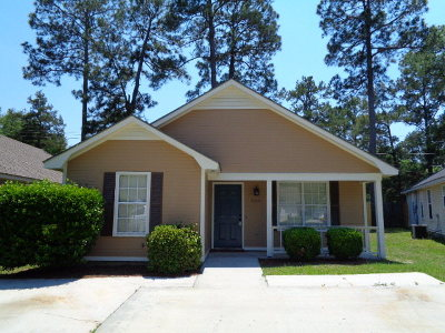 Single Family Home For Sale: 900 McAfina Trail