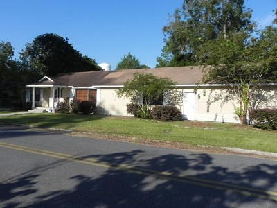 Berrien County, Brooks County, Cook County, Lanier County, Lowndes County Single Family Home For Sale: 18 Peachtree St