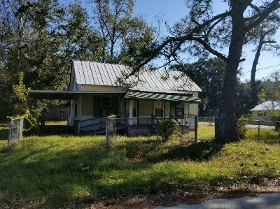 Berrien County, Brooks County, Cook County, Lanier County, Lowndes County Single Family Home For Sale: 211 S Rentz St.