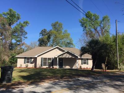 Single Family Home For Sale: 129 Walker Circle