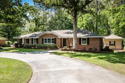 Single Family Home For Sale: 2420 Meadowbrook Drive