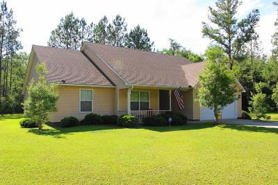 Lakeland Single Family Home For Sale: 57 Magnolia Dr