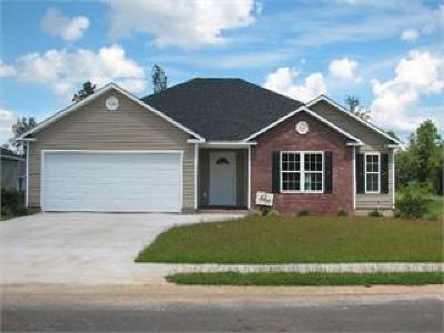 Berrien County, Brooks County, Cook County, Lanier County, Lowndes County Single Family Home For Sale: 1748 Forsyth