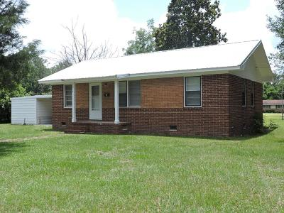 Adel Single Family Home For Sale: 216 E Redbud