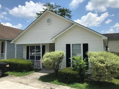 Single Family Home For Sale: 1324 Edgewood Drive