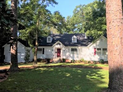 Berrien County, Brooks County, Cook County, Lanier County, Lowndes County Single Family Home For Sale: 1610 N Oak Street