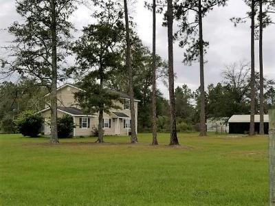 Single Family Home For Sale: 98 Deerview