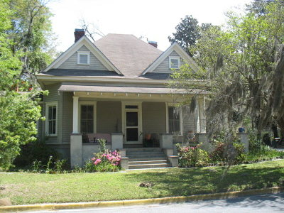 Berrien County, Brooks County, Cook County, Lanier County, Lowndes County Single Family Home For Sale: 110 W Mary St.