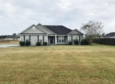 Lakeland Single Family Home For Sale: 121 Mill Pond Place