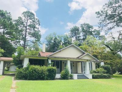 Single Family Home For Sale: 301 N Davis
