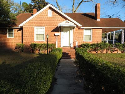 Single Family Home For Sale: 509 Charlton