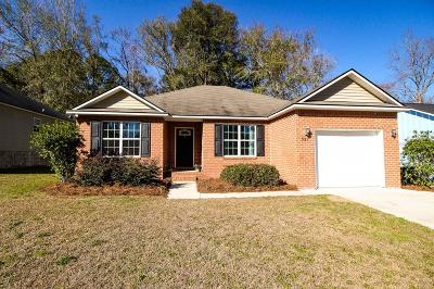 Single Family Home For Sale: 321 Grove Pointe Drive