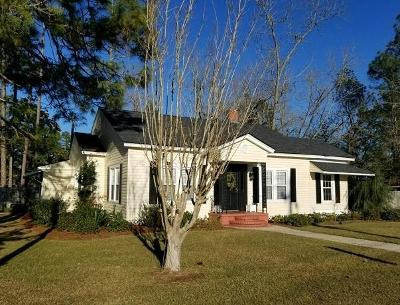 Single Family Home For Sale: 409 Joiner