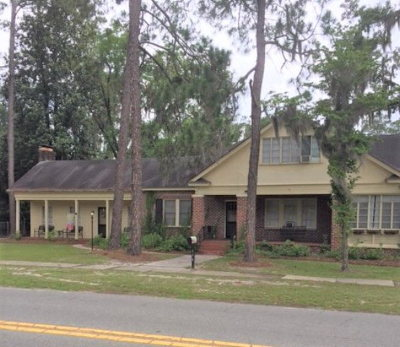 Single Family Home For Sale: 114 S College Street