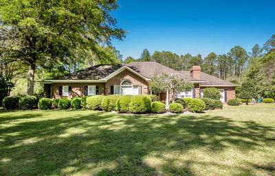 Single Family Home For Sale: 3537 River Chase Drive