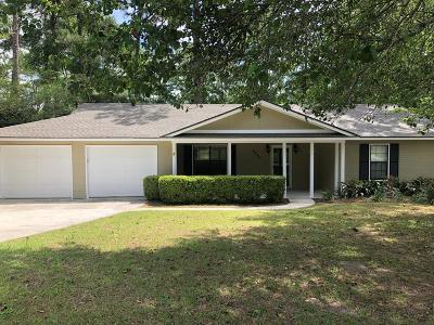Single Family Home For Sale: 2240 Oakgrove Circle