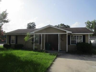Single Family Home For Sale: 800 Way Street