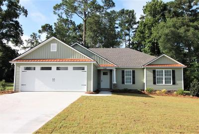 Single Family Home For Sale: 7367 North Creek Cir.