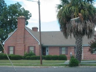Lowndes County Commercial Lease For Lease: 601 N Ashley