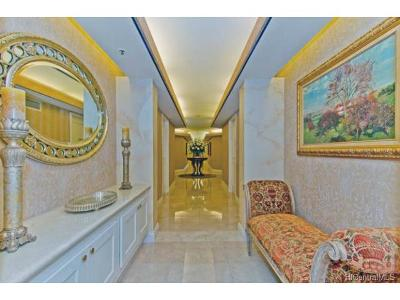 Hawaii County, Honolulu County Condo/Townhouse For Sale: 1888 Kalakaua Avenue #35th Flo