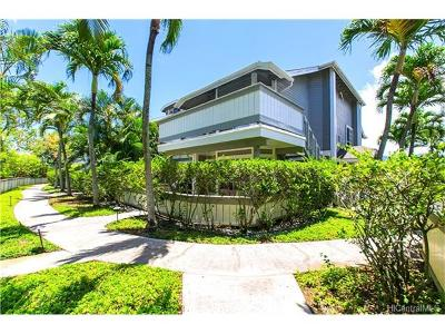 Honolulu Condo/Townhouse In Escrow Showing: 262 Mananai Place #2T