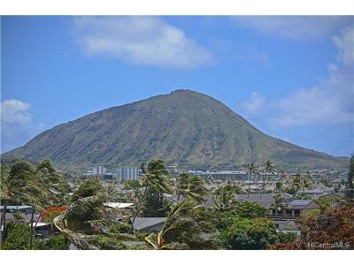 Honolulu County Condo/Townhouse In Escrow Showing: 250 Kawaihae Street #1F
