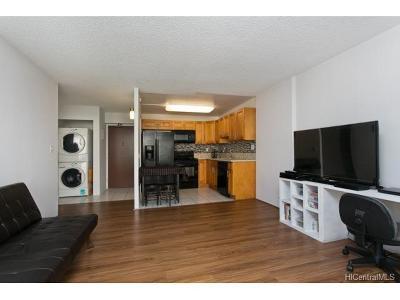 Condo/Townhouse For Sale: 475 Atkinson Drive #707
