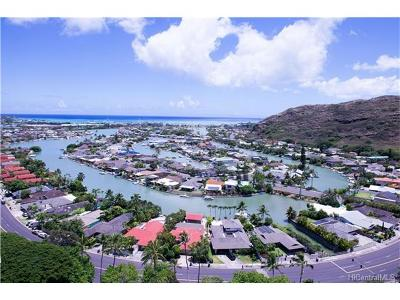 Honolulu County Condo/Townhouse In Escrow Showing: 511 Hahaione Street #1/20E