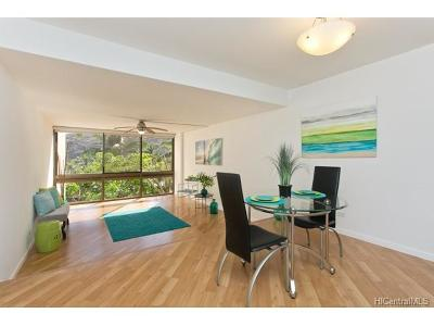 Honolulu County Condo/Townhouse In Escrow Showing: 501 Hahaione Street #1/4G