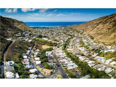 Honolulu County Single Family Home For Sale: 833 Ekoa Place