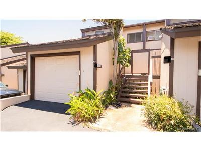 Condo/Townhouse For Sale: 98-1062 Komo Mai Drive #D