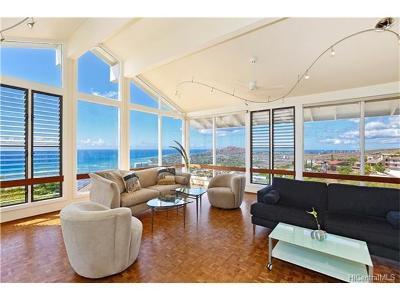 Honolulu Single Family Home For Sale: 1745 Laukahi Street