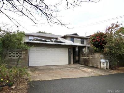 Honolulu, Kailua, Waimanalo, Honolulu, Kaneohe Single Family Home For Sale: 1017 Kikeke Avenue